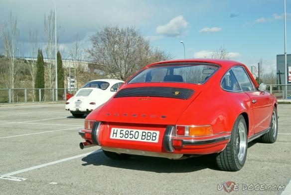 Porsche 911 1ª generación junto a su predecesor el Porsche 356